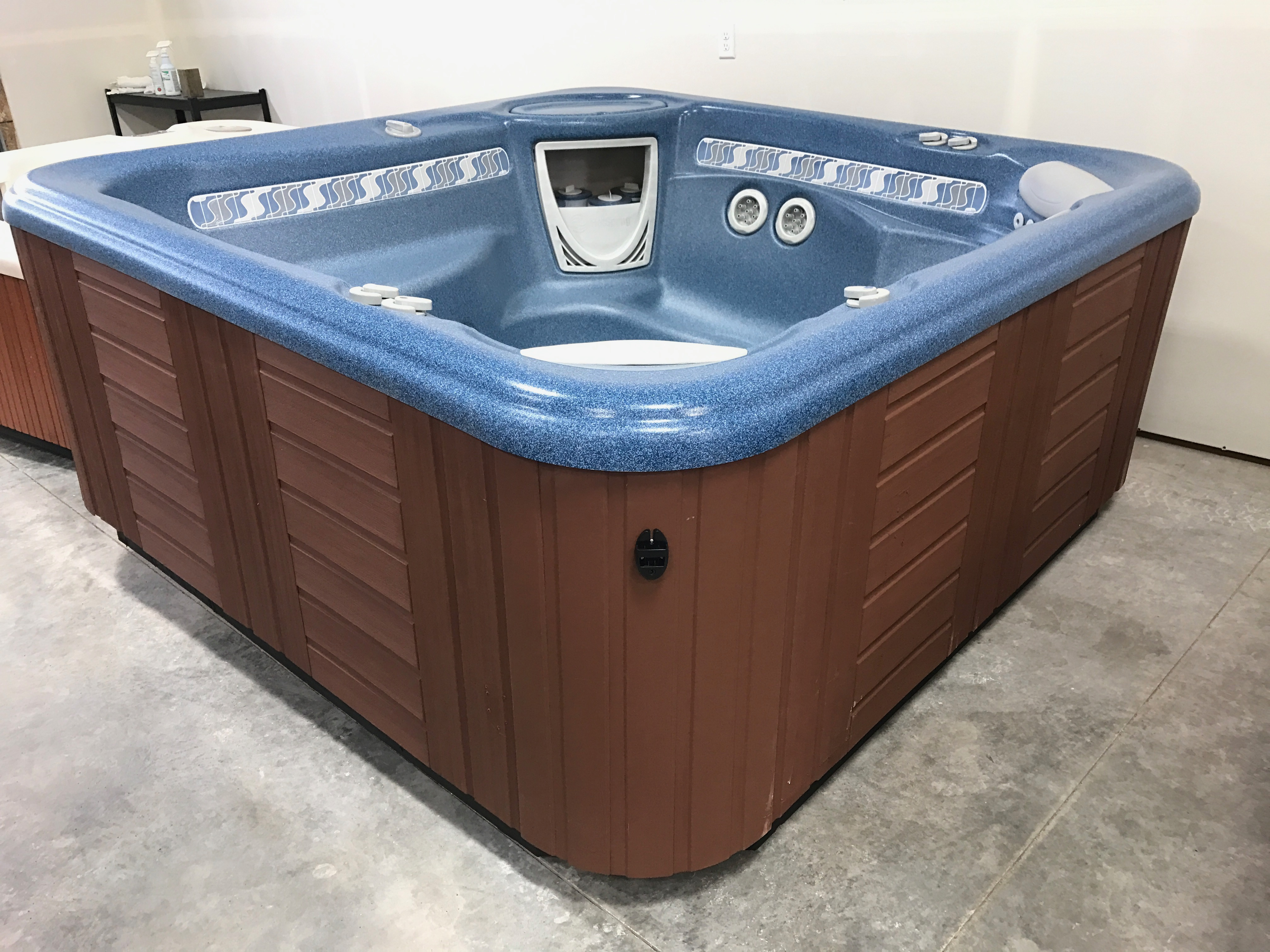 and pulse spring person prices tub pin hot gallery springs tubs limelight