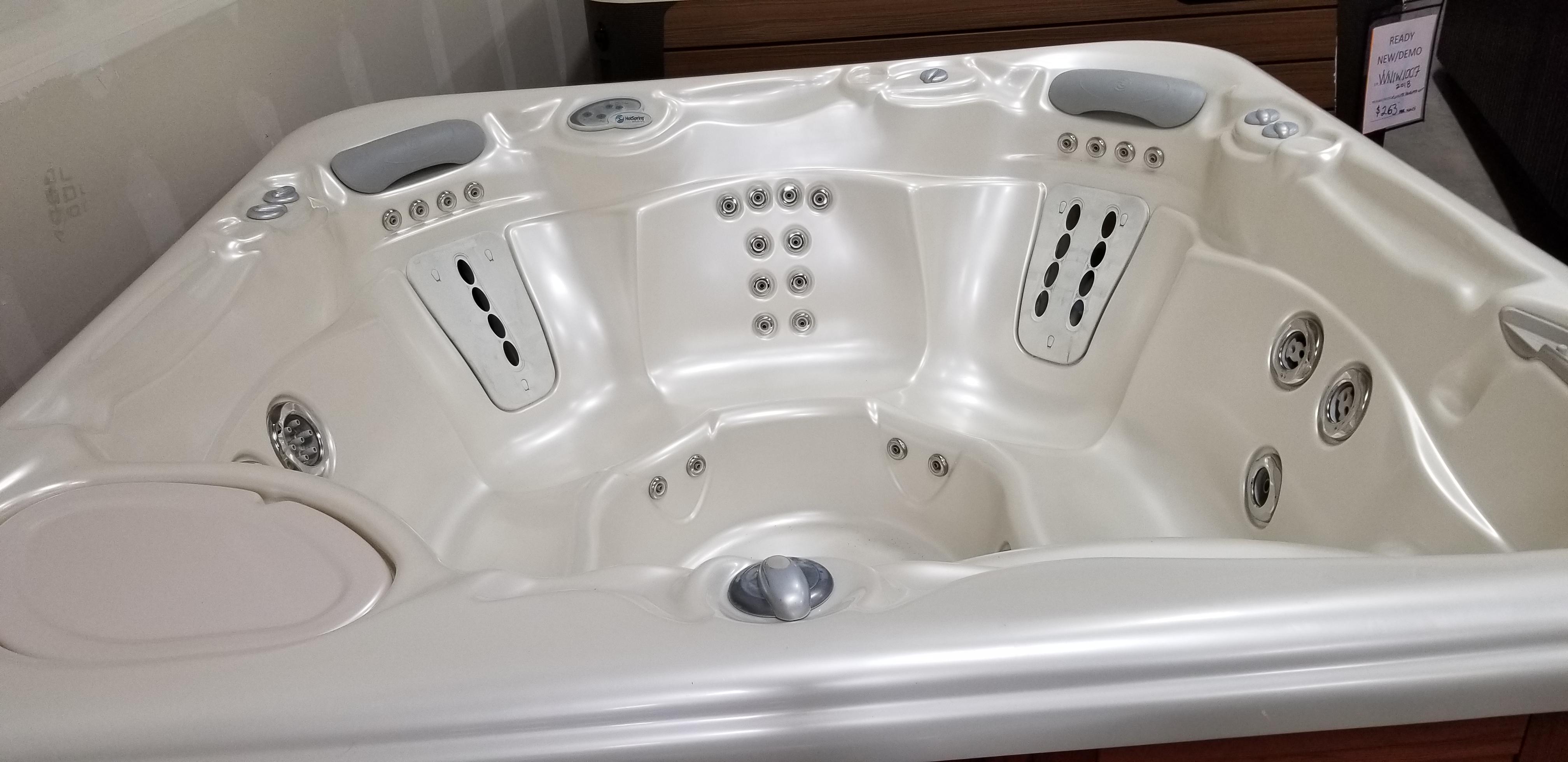 Used Tubs - Mountain Hot Tub